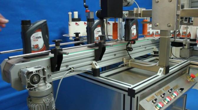 Etiqueteuse industrielle, un système performant et pratique